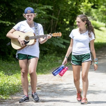 advantages of sending your daughter to summer camp